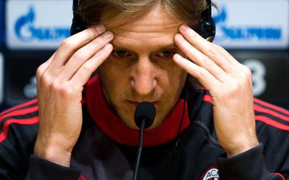 آمبروزینی : تصمیم سران میلان را درک نمی کنم اما باعث تعجب من نشد