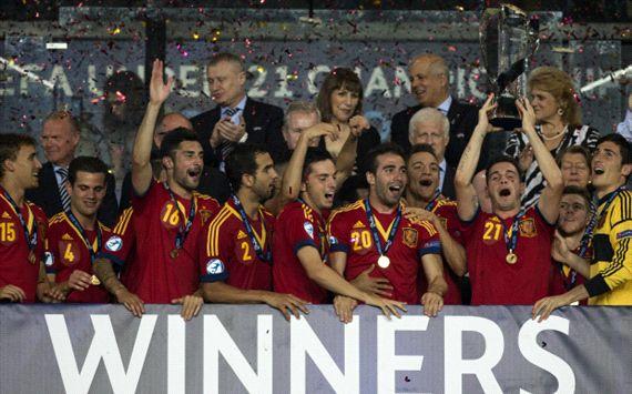 Spain Under 21 celebrating