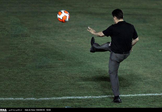 قلعهنویی: من و دایی دلمان برای فوتبال میسوزد