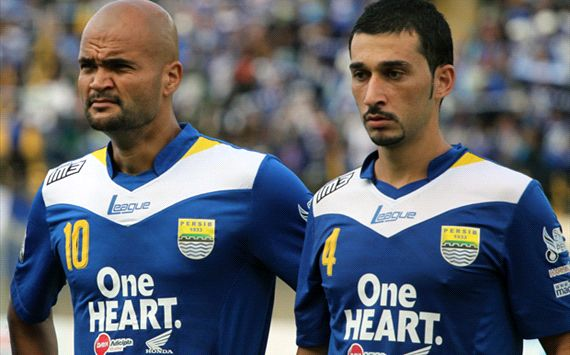 Bagaimana penilaian Anda dengan desain jersey Persib Bandung ini