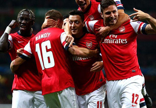 Wenger hails 'amazing' Ozil after Napoli win