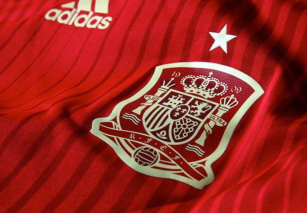 340381 heroa - Spain reveal new kit for World Cup 2014
