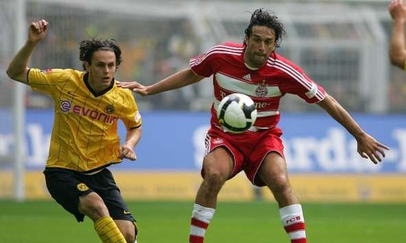Tottenham Join The Race For Bayern Munichs Luca Toni  Report