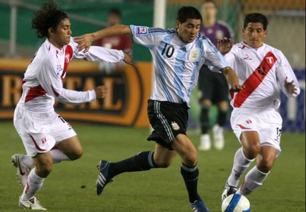 Boca Juniors' Juan Roman Riquelme: I would love to play alongside Lionel Messi with Argentina