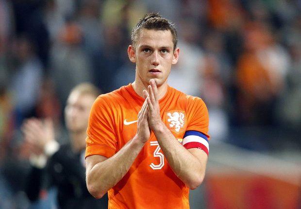 Taruhan Bola - MU Lirik Bek Timnas Belanda