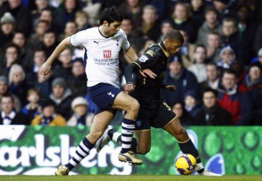 EPL: Vedran Corluka - Armand Traore, Tottenham - Portsmouth (PA)