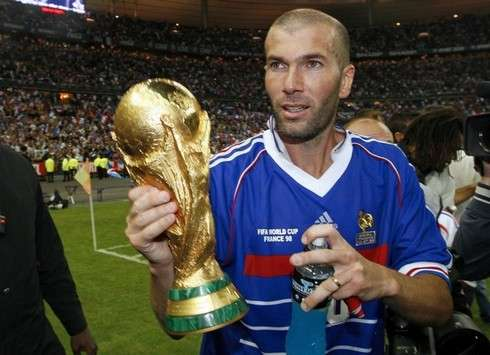 Top of the world | Zidane led the French to World Cup glory in 1998