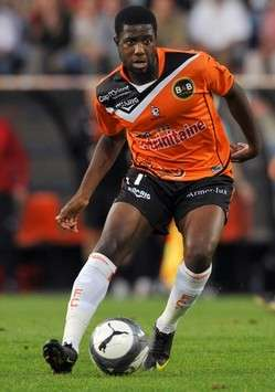 Lyon sign Arnold Mvuemba from Lorient