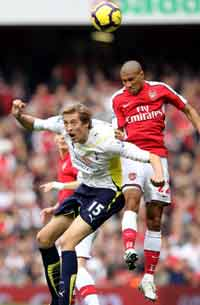 EPL: Peter Crouch - Gael Clichy , Arsenal v Tottenham Hotspur (Getty Images)