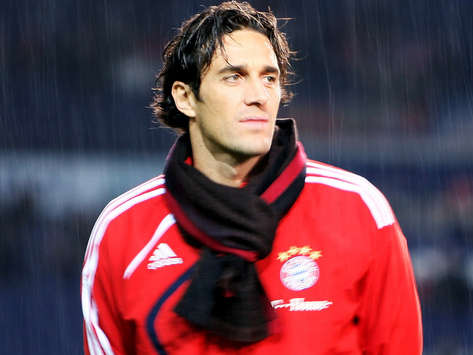 Luca Toni Can Leave Bayern Munich For Free, Says Uli Hoeness