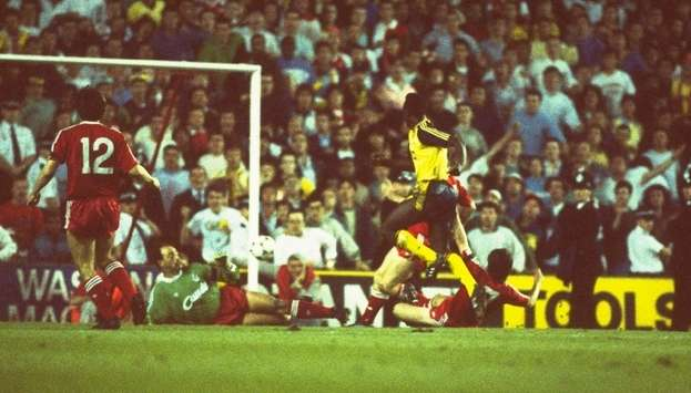 Michael Thomas scores, Liverpool v Arsenal, 1989 (Getty Images)