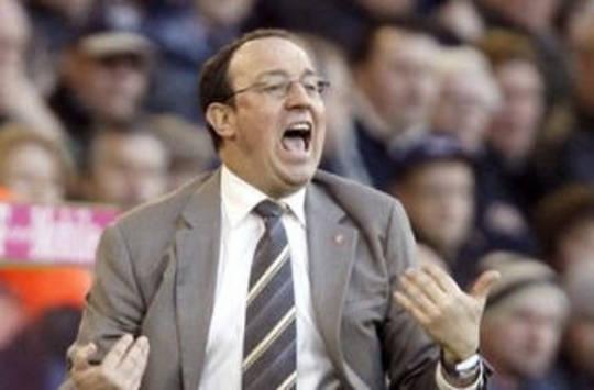 Premier: Rafa Benitez (Liverpool) reacts against West Brom (AFP)