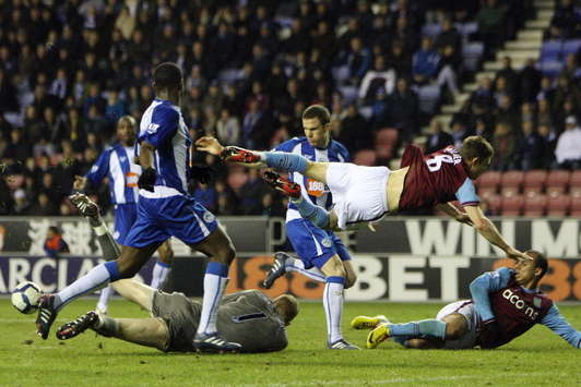 ANG - Aston Villa domine Wigan