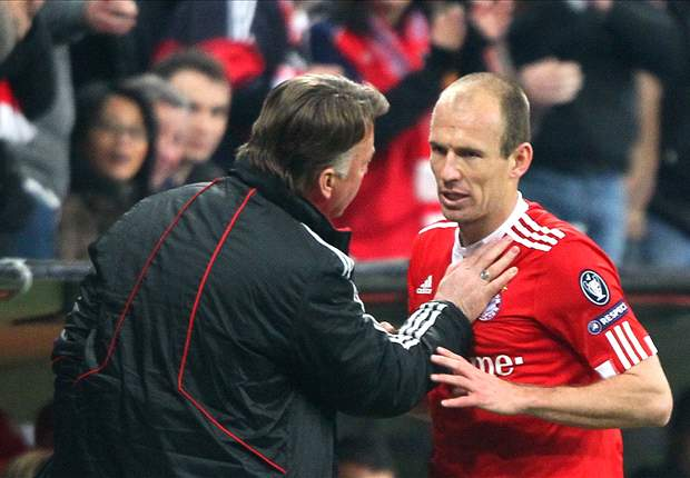 Arjen Robben, Thomas Mueller, Louis van Gaal all earn top honours from German players' union