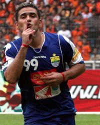 Cristian Gonzales - Persib Bandung (GOAL.com / Hermansyah)