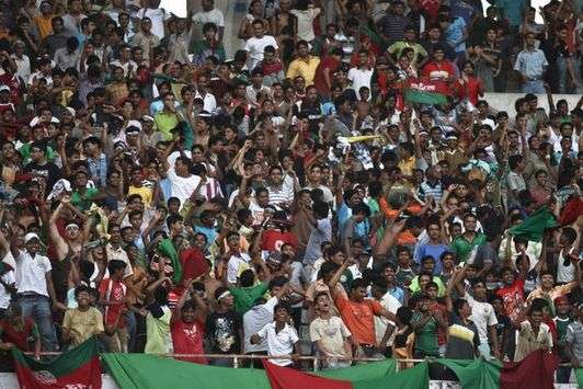 Mohun Bagan fans at the salt lake stadium (Mango Peel)